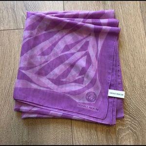 Brand New Versace profumi scarf NWOT